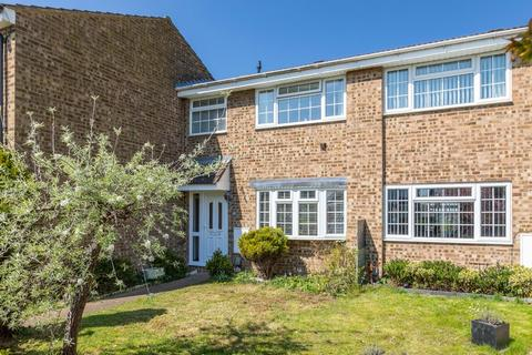3 bedroom terraced house for sale - Saxon Avenue, Stotfold, Hitchin, Herts SG5 4DD