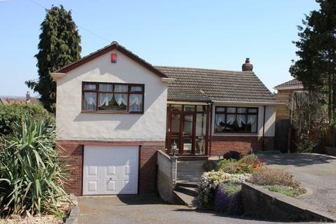 3 bedroom detached bungalow for sale - Park Drive, Goldthorn Park