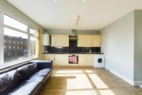 1 bedroom flat to rent - Field End Road, Eastcote (Above A Shop)