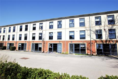 4 bedroom terraced house to rent - Lion Road, Farnborough, Hampshire, GU14