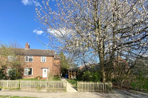 1 bedroom flat to rent - Whitehill Close, ,