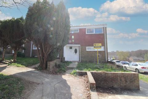 3 bedroom end of terrace house for sale - Broadfield, Crawley