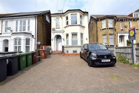 2 bedroom flat to rent - Hainault Road, Leytonstone, London