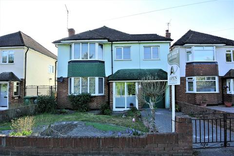 3 bedroom detached house for sale - Short Lane, Staines-upon-Thames, TW19