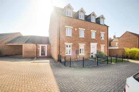 4 bedroom semi-detached house for sale - Elizabeth Way, Coventry, CV2 2LN