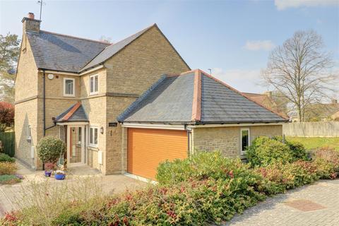 4 bedroom house for sale - Vicarage Gardens, Malmesbury