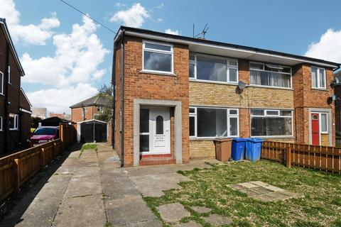 3 bedroom semi-detached house for sale - Burden Road, Beverley