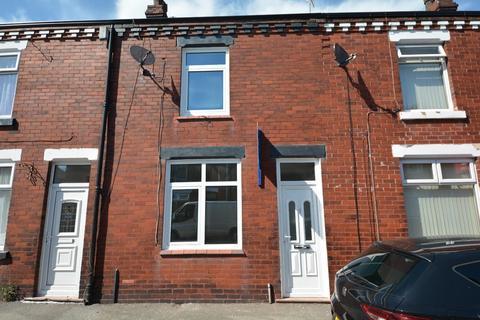 3 bedroom terraced house to rent - Cygnet Street, Poolstock, Wigan, WN3 5BW
