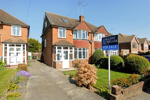 4 bedroom semi-detached house for sale - Moorfield Road, Denham