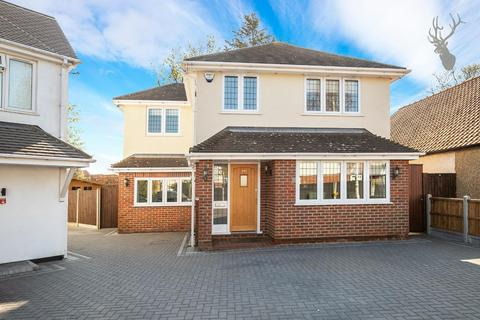 3 bedroom detached house for sale - Tower Road, Epping