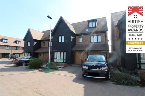 6 bedroom detached house to rent - Bridgefields Close, Hornchurch