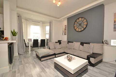 2 bedroom flat for sale - Boscombe