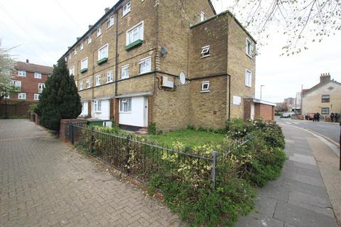 3 bedroom flat for sale - Queens Road, Plaistow, E13
