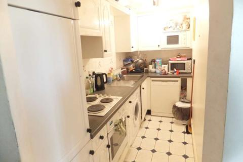 2 bedroom flat to rent - Comer Crescent, Southall