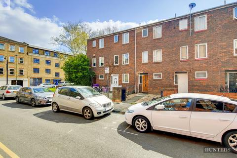 5 bedroom townhouse to rent - Monthope Road, London