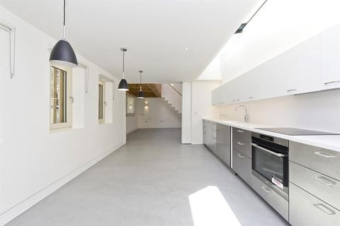 4 bedroom house to rent - Aldridge Road Villas, London, W11