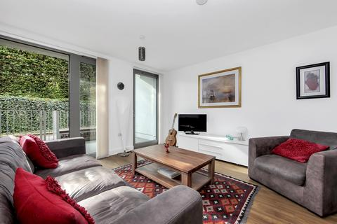 2 bedroom flat to rent - Meadow Court, 14 Booth Road, London