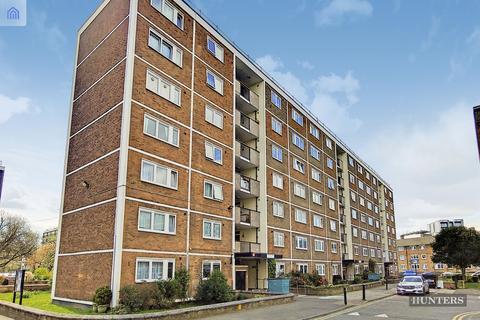 2 bedroom flat for sale - St Saviours Estate, SE1 3DL