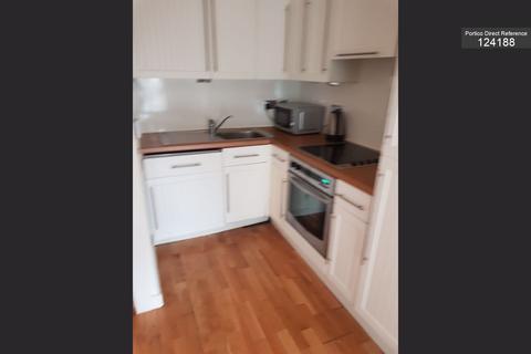 2 bedroom flat to rent - Drummond Street, Edinburgh, EH8