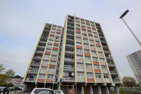 2 bedroom flat to rent - Sunset Court, Navestock Crescent, Woodford Green IG8