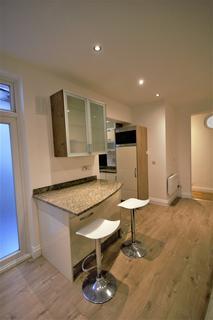 2 bedroom flat to rent - Churchfield Road, London W3