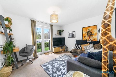 1 bedroom apartment for sale - Northiam Street, London, E9