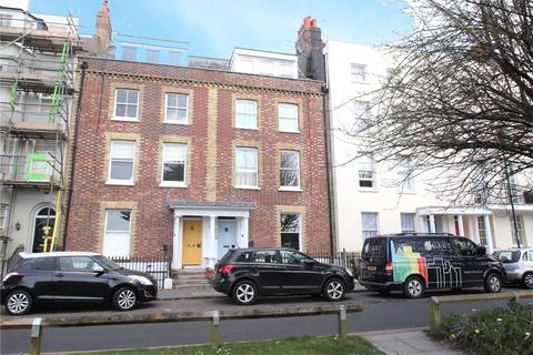 2 bedroom apartment for sale - South Terrace, Littlehampton, West Sussex, BN17