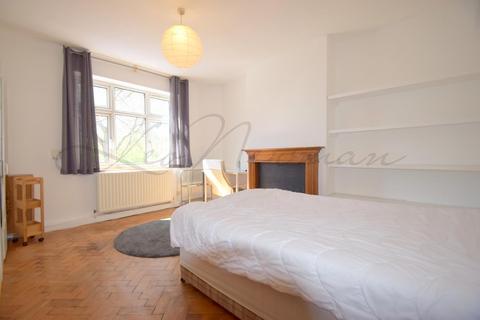 3 bedroom flat to rent - Buttesland Street, Hoxton, N1