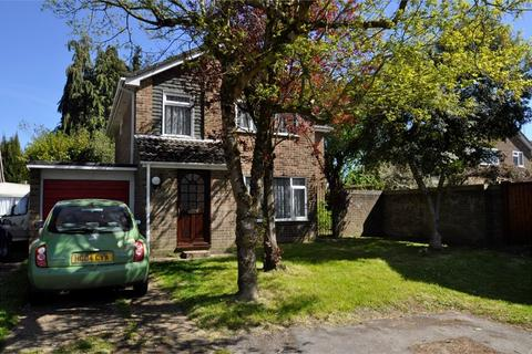 5 bedroom detached house for sale - Cook Close, RINGWOOD, Hampshire