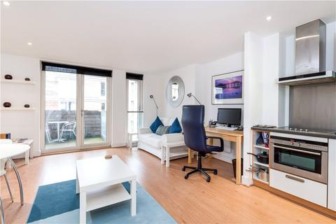 Studio to rent - Axis Court, 2 East Lane, London, SE16
