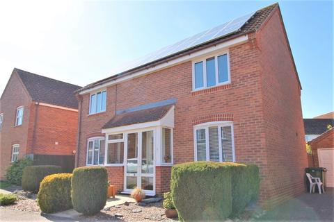 4 bedroom detached house for sale - Hawthorn Close, Diss