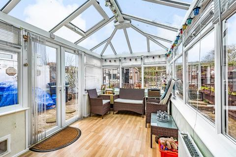 4 bedroom end of terrace house for sale - Portslade