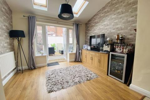 2 bedroom terraced house for sale - Whalley Road, Passmonds, Rochdale OL12 7NB