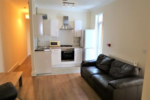 2 bedroom flat to rent - Pen-y-Lan Road, Cardiff,