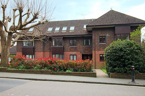 1 bedroom flat for sale - Fitzjohn Court, Hassocks, West Sussex, BN6 8QP