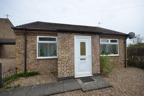 2 bedroom detached bungalow for sale - Chestnut Avenue, Corby