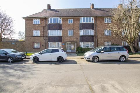 2 bedroom flat for sale - Severn Drive, Enfield