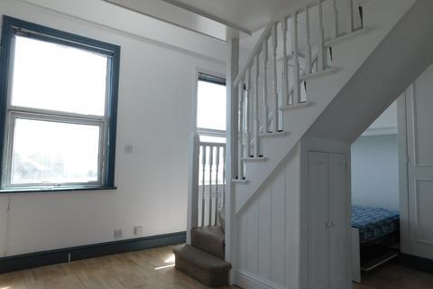 Studio to rent - Boston Road, Hanwell, LONDON, W7