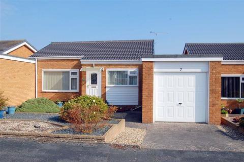 2 bedroom detached bungalow for sale - Bryn Mor Court, Penrhyn Bay, Llandudno
