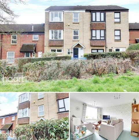 4 bedroom terraced house for sale - Hawksbeard Place, Northampton