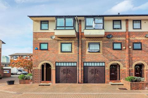 4 bedroom townhouse for sale - Barnfield Place, Canary Wharf E14