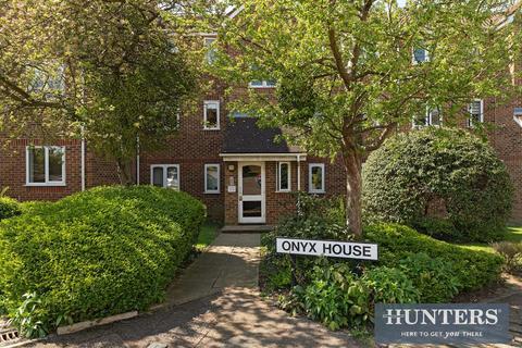 1 bedroom ground floor flat for sale - Percy Gardens, KT4