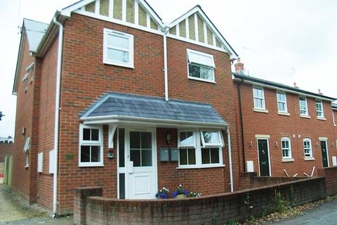 2 bedroom flat to rent - Crown Lane, Ludgershall, SP11