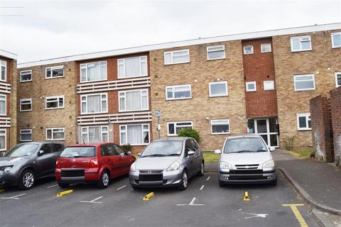 2 bedroom flat to rent - Little Elms Harlington, Hayes, Harlington