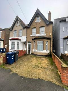 2 bedroom maisonette for sale - Waltham road, Southall UB2