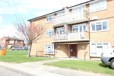 1 bedroom ground floor flat to rent - Moultrie Way, Upminster, Essex, RM14
