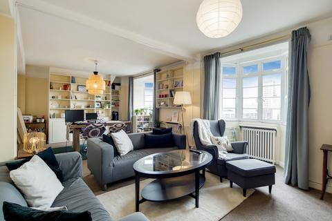 4 bedroom flat for sale - Latymer Court, Hammersmith Road, London, W6