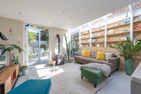 3 bedroom terraced house for sale - Milkwood Road, Herne Hill, SE24