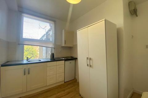 Studio to rent - Chester Road N17