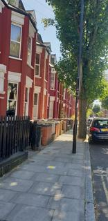 1 bedroom in a house share to rent - Finsbury Park, N4 3LQ